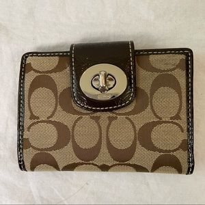 Coach signature turnlock wallet with brown patent